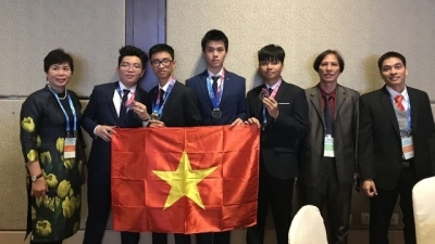 Vietnam wins gold at international astronomy Olympiad for first time