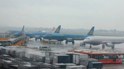 Airlines adjust domestic flight schedules due to Typhoon Usagi