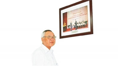 Composer Hinh Phuoc Long - A true lover of Truong Sa