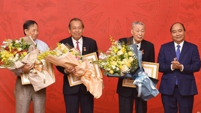 Senior Party members of Government Office honoured with insignias