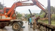 Central Vietnam provinces race to recover from rains and floods