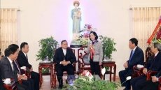 Mass mobilisation head visits Catholics in Nam Dinh province