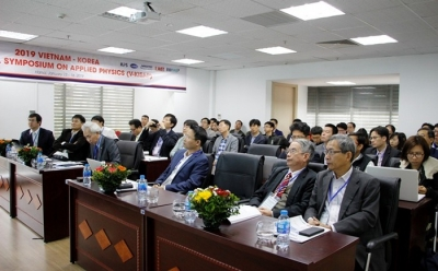 Vietnam, RoK scientists gather at symposium on applied physics in Hanoi