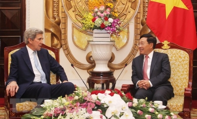 Senior officials welcome former US Secretary of State in Hanoi