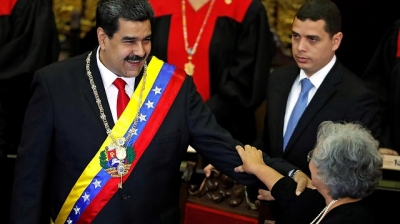"Venezuela President receive support from the public to deal with ""double crisis"""