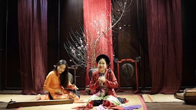 'Cheo' master works to save the vitality of Vietnamese traditional opera