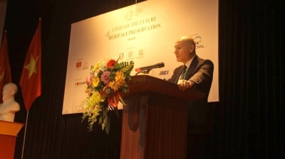 Seminar discusses ways to develop Hanoi into a smart city