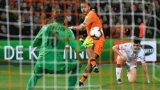 Depay leads Netherlands to easy win, Belgium overcome Courtois howler to sink Russia