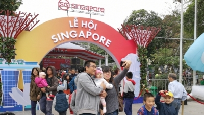 Singapore Festival attracts Hanoians