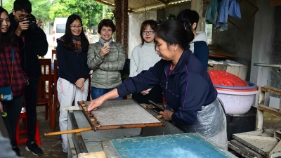 Invigorating Muong ethnic group's craft of making 'Do' paper