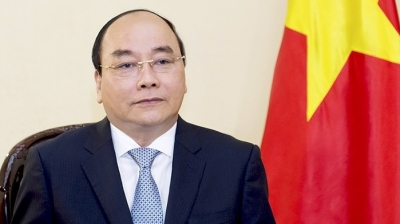 PM Nguyen Xuan Phuc sends greetings to Lao, Cambodian counterparts