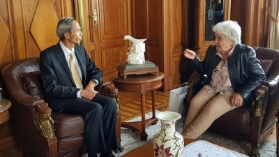 Vietnam, Uruguay seek to boost friendship, cooperation