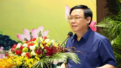 Nghe An and Ha Tinh urged to coordinate closely in development