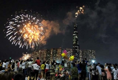 Ho Chi Minh City marks Reunification Day with fireworks