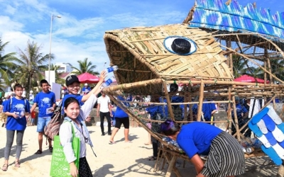 """Waste-eating"" Goby raises awareness on environmental protection in Da Nang"