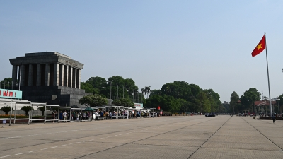 People visit Ho Chi Minh Mausoleum on his birth anniversary