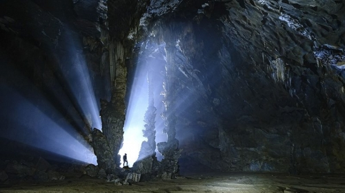 Magnificent beauty of Tien cave in Quang Binh