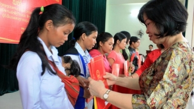 Vietnamese citizenship granted to 38 locals in Kon Tum