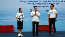 Deputy PM Vu Duc Dam launches action month for children