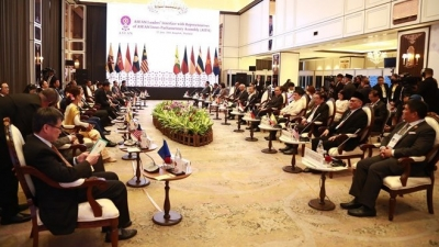 ASEAN leaders meet representatives of AIPA, ASEAN-BAC, ASEAN Youth