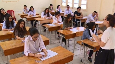 Over 887,000 candidates sit national high school exam