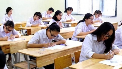 Students finish national high school exam 2019