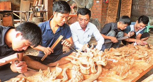 Young architect promotes traditional carpentry craft