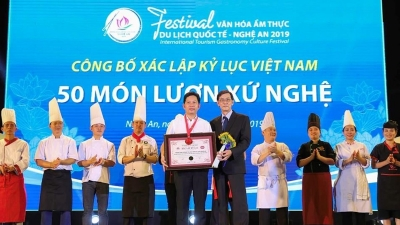 Nghe An's 50 eel dishes establish Vietnam record