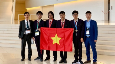 Vietnam ranks fourth at International Informatics Olympiad 2019