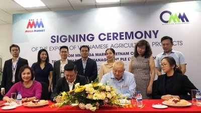 Deal signed to boost Vietnamese farm produce exports to Singapore
