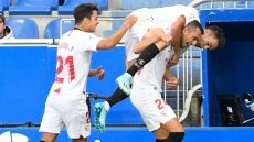 Lopetegui's Sevilla go top of La Liga by beating Alaves