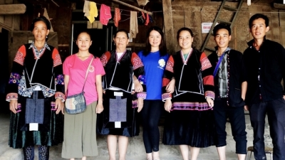 H'mong young people love traditional music