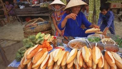 "Story of Vietnamese ""banh mi"" introduced in foreign newspaper"