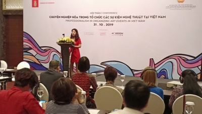 Conference discusses professionalism in organising art events in Vietnam