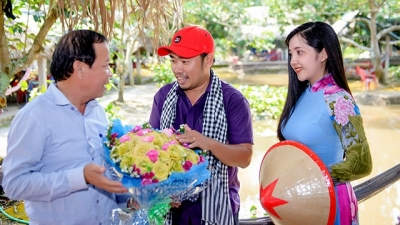 Young tourism start-up provides exciting experience for visitors to Ben Tre