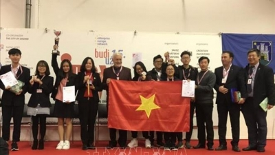 Vietnamese students win high honour at Croatia invention show