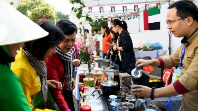 International Food Festival opens in Hanoi