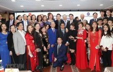 NA Chairwoman meets Vietnamese community in Russia