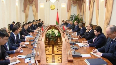 Deputy PM holds talks with Belarusian counterpart