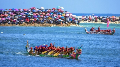Tu Linh boat race - a unique festival of Ly Son island district