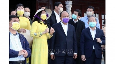 PM checks nCoV fight in Thua Thien-Hue