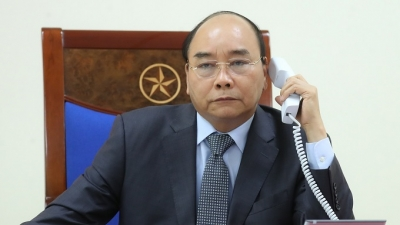 PM holds phone talks with Lao, Cambodian counterparts