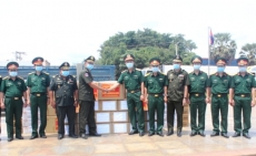 Military Region 7 presents medical equipment to Cambodian army