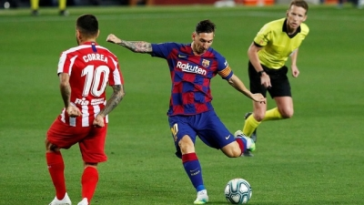 Barca title bid on rocks as Atletico upstage Messi's 700th goal