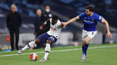 Keane own goal gives Spurs win over Everton