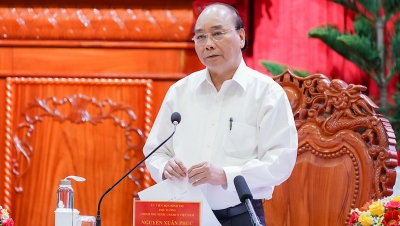 PM works with Mekong Delta provinces