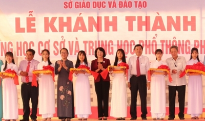 Vice President attends school inauguration ceremony in Vinh Long