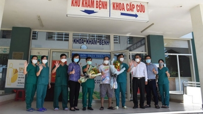 Last COVID-19 patient in Da Nang discharged from hospital