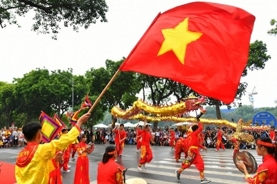 Colourful dragon festival livens up pedestrian streets around Hoan Kiem Lake in Hanoi