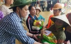 Joint efforts made to support flood victims in central region